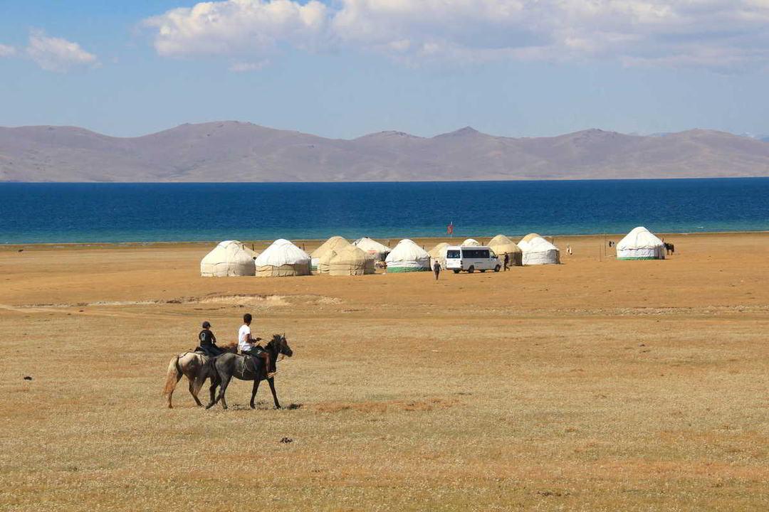 Putovanje-Kirgistan-Planinski-kristal-Centralne-Azije (9)