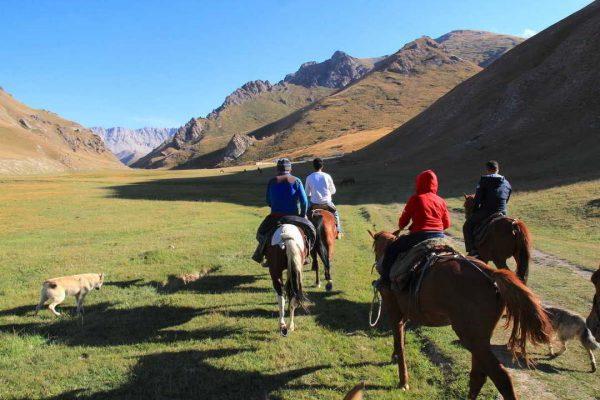 Putovanje-Kirgistan-Putevima-divljine (2)