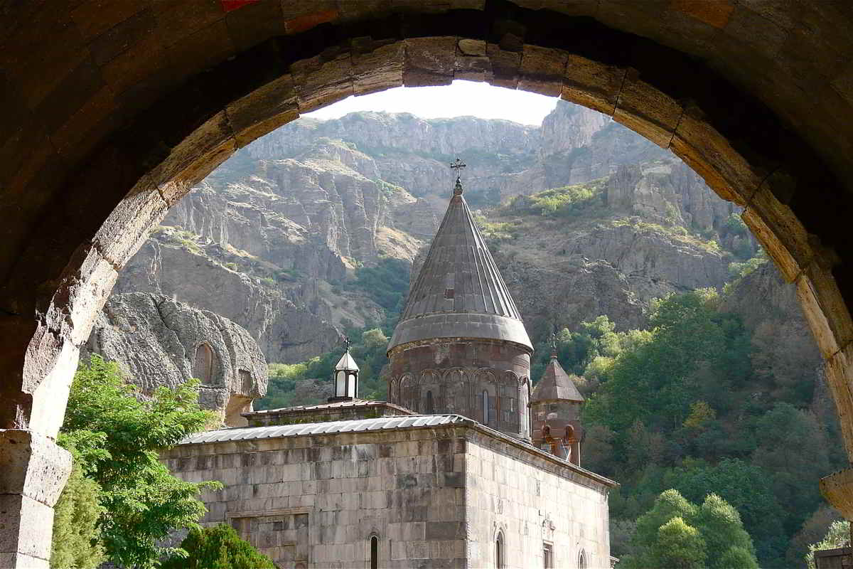 Putovanje-Armenija-Na-raskrizju-Europe-i-Azije (1)